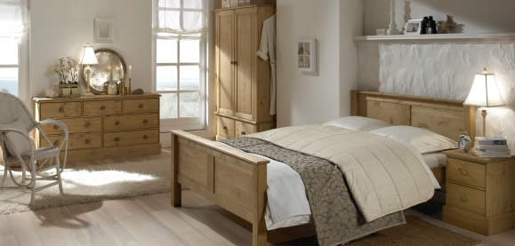 Cotswold Pine Bedroom